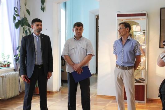 В Симферополь привезли изделия Златоустовской оружейной компании (ФОТО), фото-2