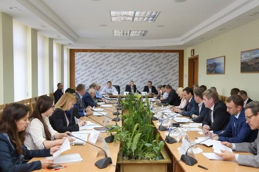 Заседание парламентского Комитета по имущественным и земельным отношениям