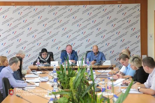 Профильный Комитет обсудил перспективы реализации «дорожной карты» по введению с 1 мая 2019 года в Республике Крым курортного сбора