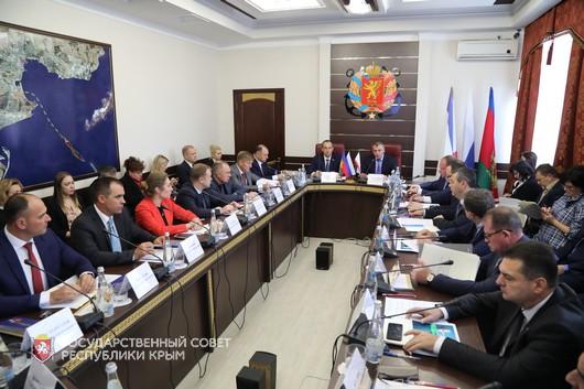 В Керчи обсудили возможности развития яхтенного туризма на Черноморском побережье Российской Федерации