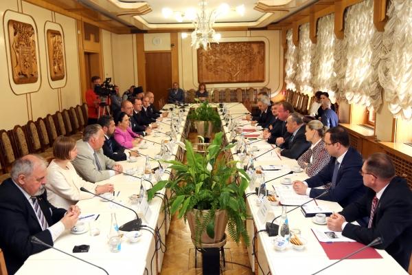В крымском парламенте прошла встреча с главой Российского Императорского Дома